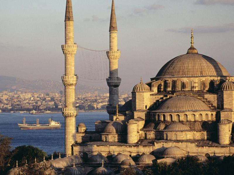 TURKIE -Blue_Mosque_and_the_Bosphore
